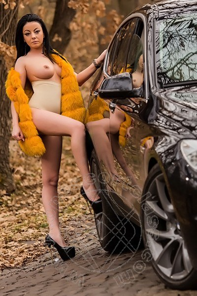 Claudia Hot  CENTO 3463179865